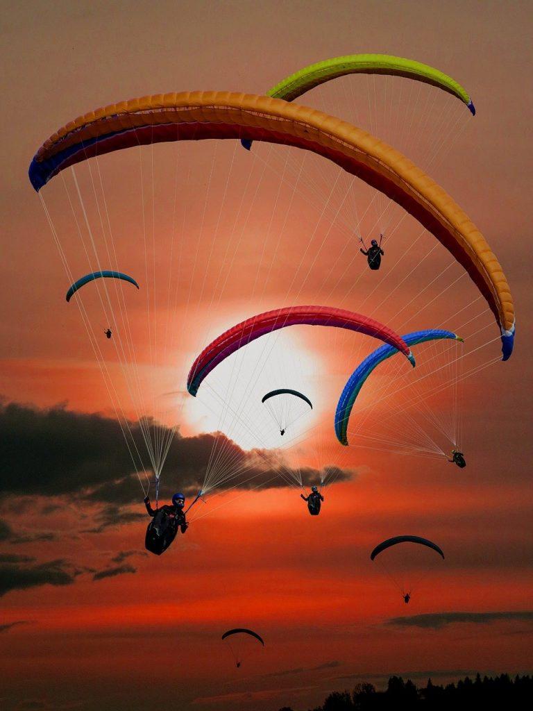 paraglider, paragliding, flying-701440.jpg